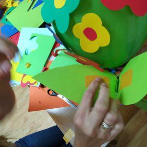 Warto Podkleić Je Taśmą Dwustronną, Będą Się Lepiej Trzymać Balonu.